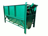 Screening machine for organic fertilizer production line